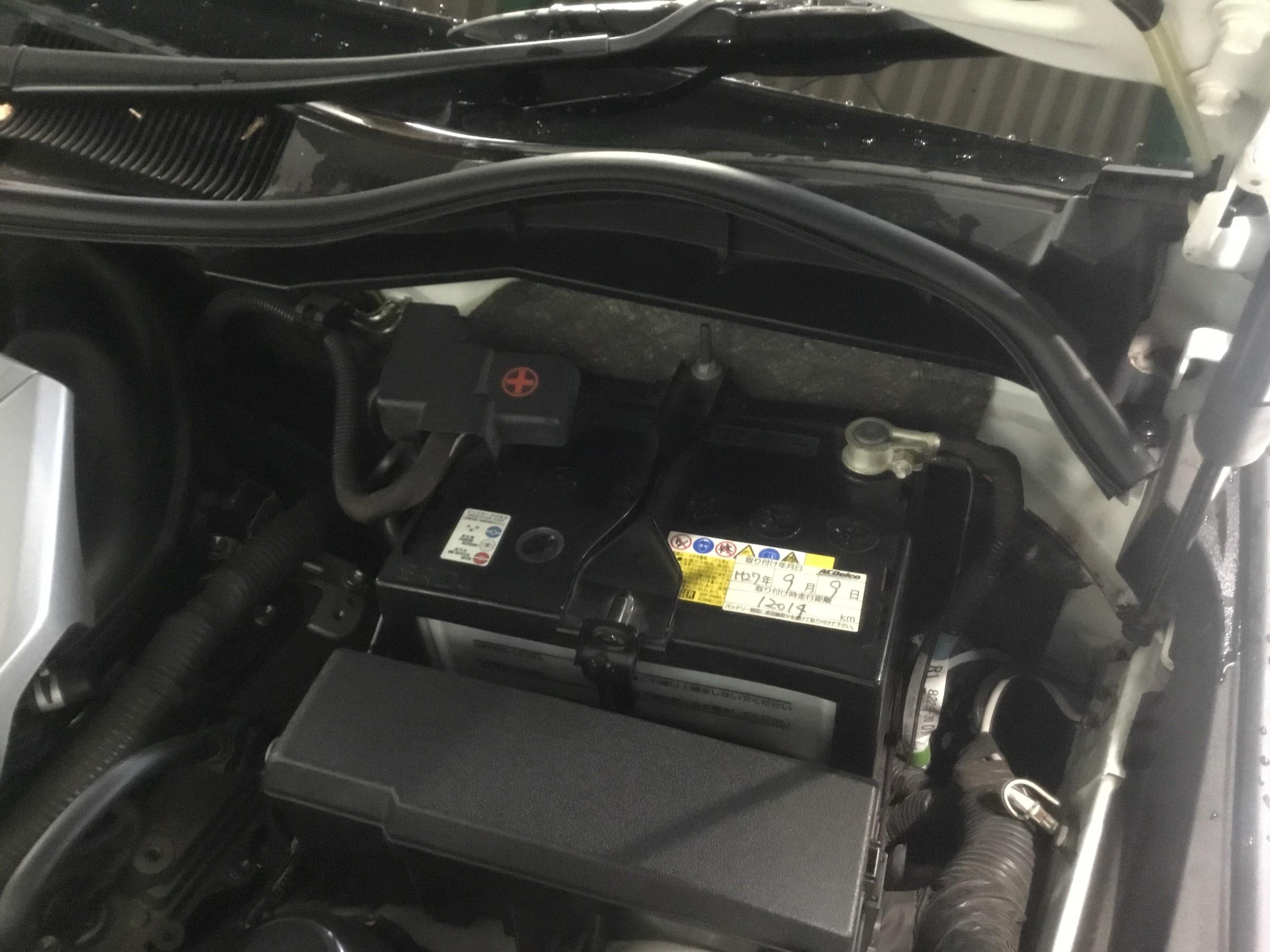 バッテリー マーク x 最近の車は自分でバッテリー交換をしない方が良い