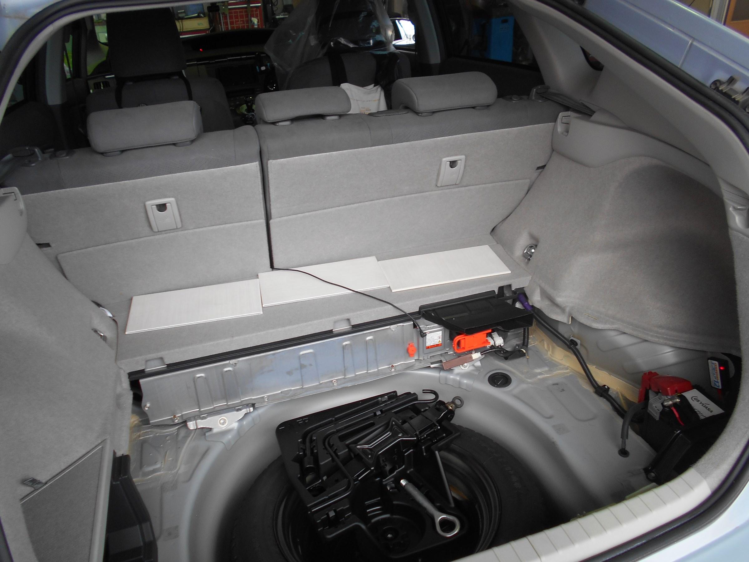 トランク 開け 方 プリウス
