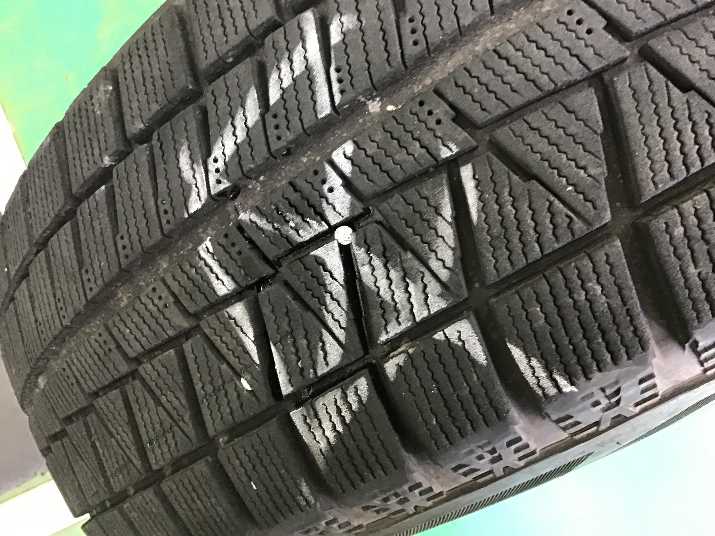 パンク 修理 タイヤ スタッドレス